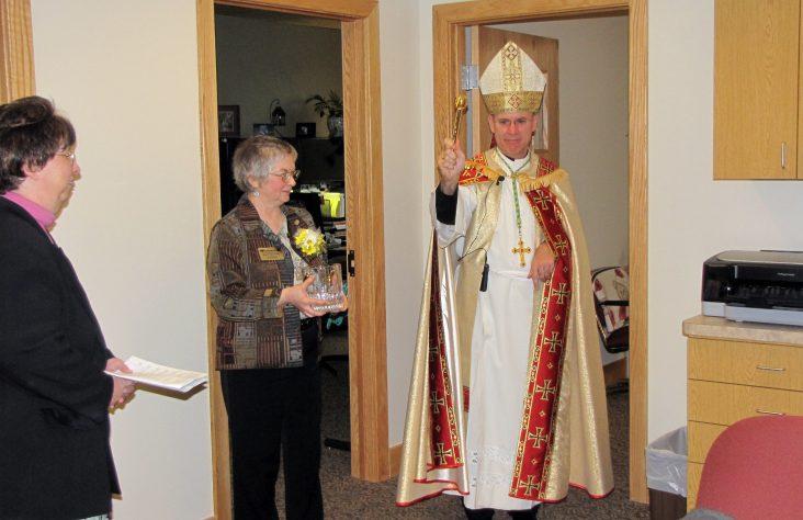 Bishop Rhoades blesses retreat center addition