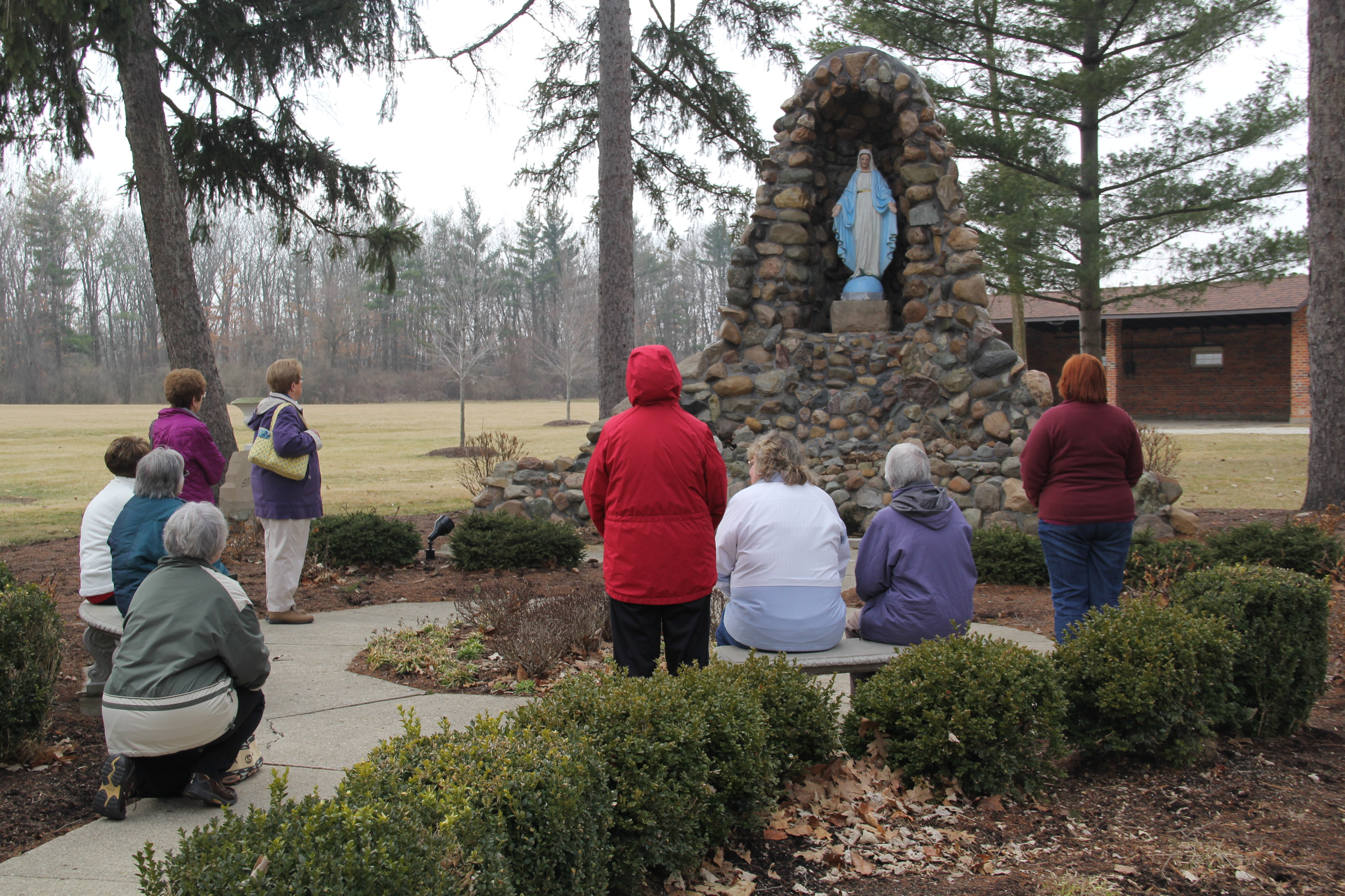 catholic single women in middlebury center All housing is single-sex by floor or wing  11 for women) and over 20  the adventure sports center (asc) at saint michael's college features hiking,.