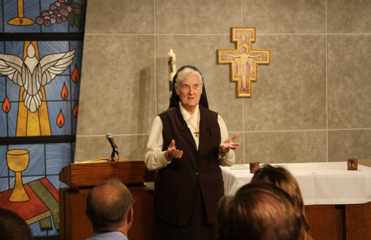 'TV Mass Sister' completes 25 years of ministry to homebound