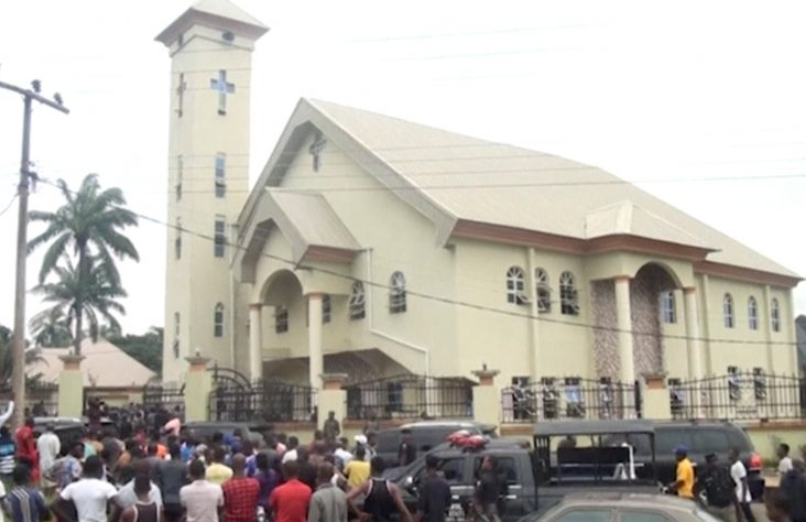Pope 'saddened' after shooting in Nigerian church