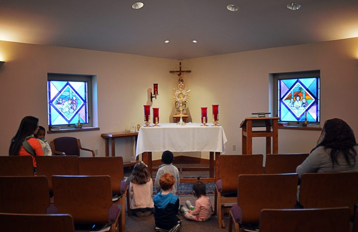 Parishes offer children's eucharistic adoration