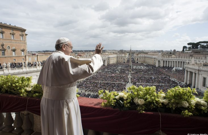 Easter shows the power of love, which renews the world, pope says