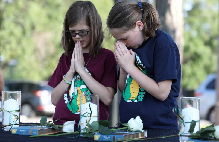 Texas archdiocese, bishops offer healing, support after shooting
