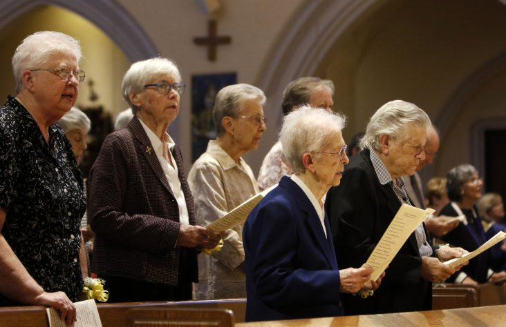 Bishops, sisters discuss declining numbers of US women religious