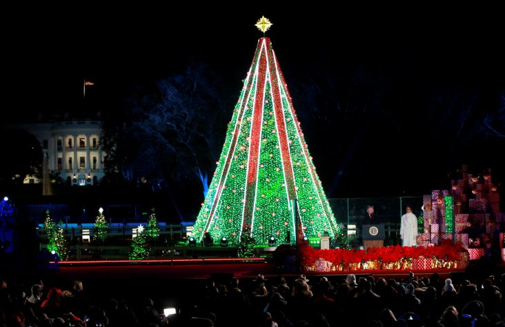 Sisters sing at National Christmas Tree Lighting