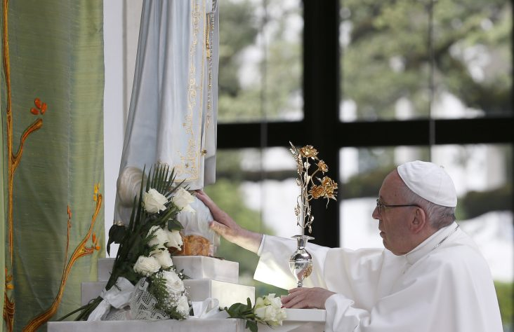 Visitors are most important things about shrine, pope says