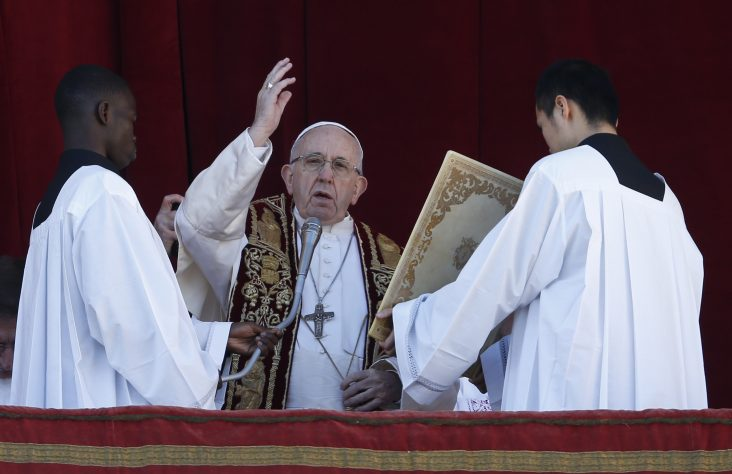 In Christmas message, pope prays for peace, brotherhood