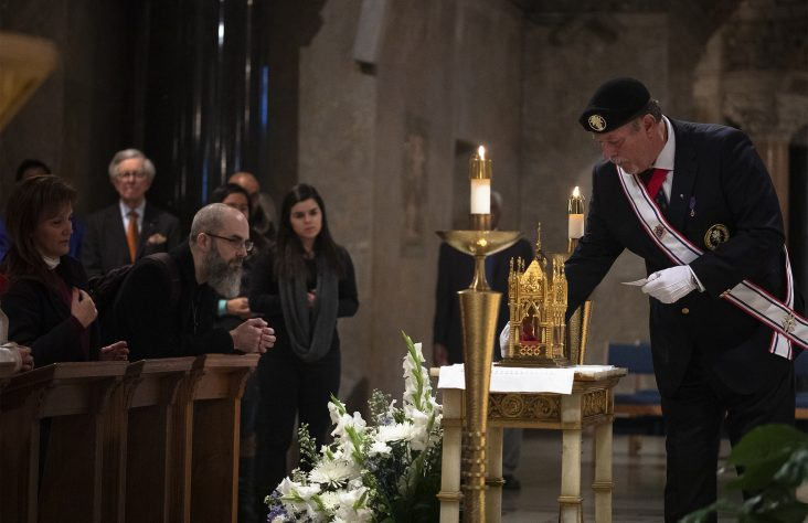 Venerating Cure d'Ars' relic can help Church 'heal,' says head of Knights