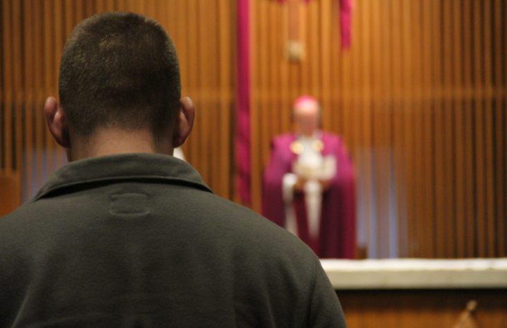 Mastodon Catholic students pray with Bishop Rhoades
