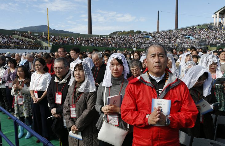 Honor martyrs, work for Christ's kingdom of peace, pope says in Nagasaki