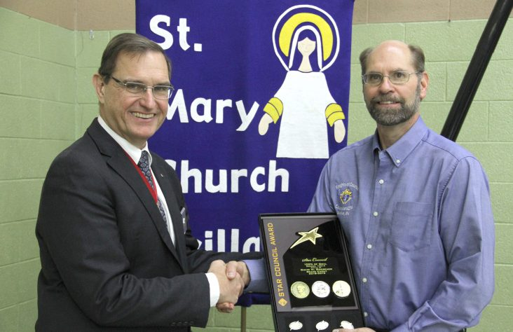 Knights of Columbus state deputy presents awards