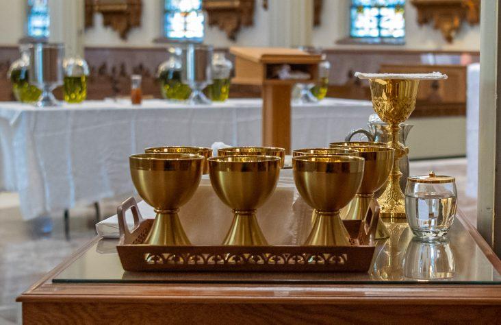 Epidemic danger and Catholic sacraments
