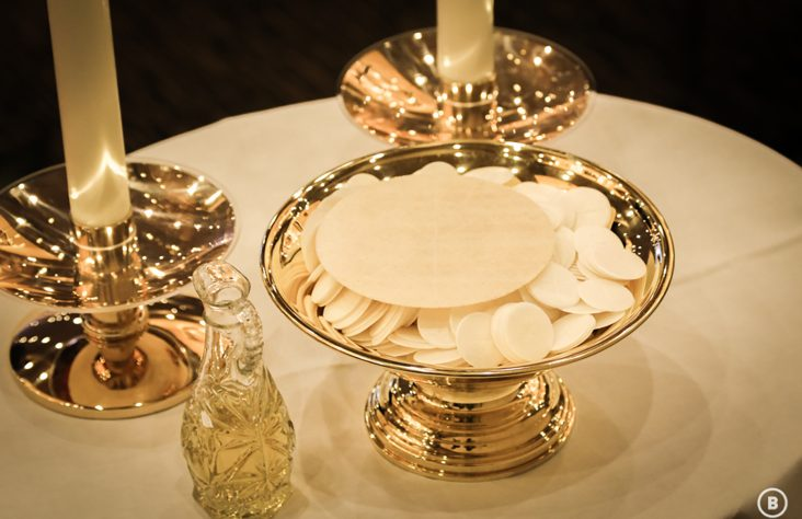 Expressing love for the Eucharist