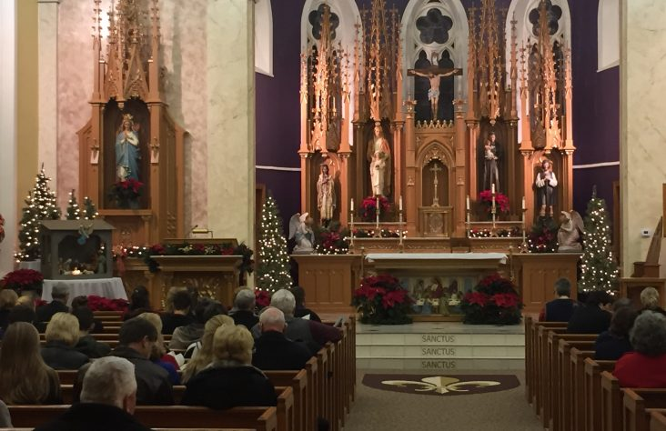Parishes plan carefully to accommodate Christmas crowds