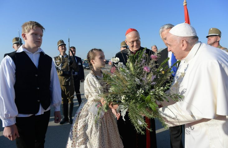 Eucharist heals from idolatry of 'self,' pope says at Mass in Budapest